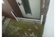 Hochwasserschutz-Dammbalkensystem-im-Einsatz